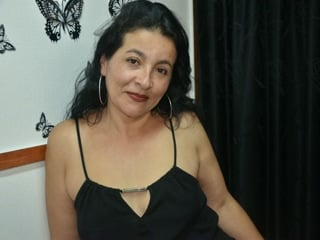 chat porno con YasminMilf
