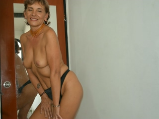 sexo por webcam con KathiaMilf