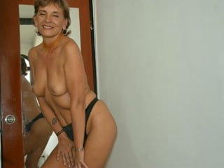 webcam amateur con KathiaMilf